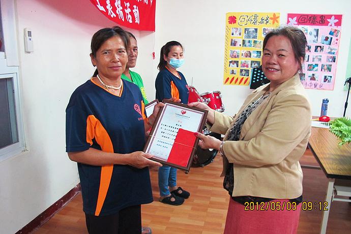 個人獎第六名 — 張玉珠 (左)